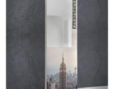 Zapatero estrecho con espejo