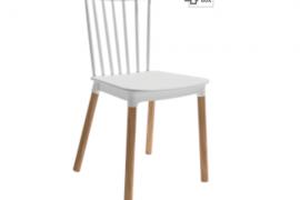 Silla Dublín blanca polipropileno con patas de madera