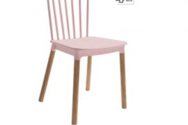 Silla Dublín rosa polipropileno con patas de madera