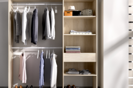 Vestidor Suit 1 cajón acabado natural, con estanteria lateral y cajón y dos barras de colgar.