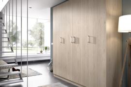 Armario Maxi 4 puertas acabado color natural con estantes interiores