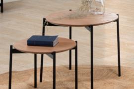 Juego de mesas Piera acabado natural con estructura metal negro de Marckeric